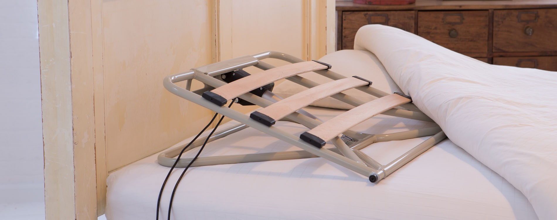 Portable electric recliner